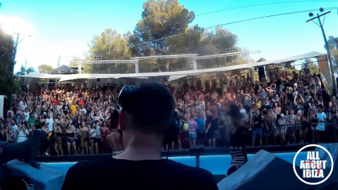 DAVINA MOSS B2B JEANCEDRIC at ZOO PROJECT IBIZA opening party 2016 © AllaboutibizaTV