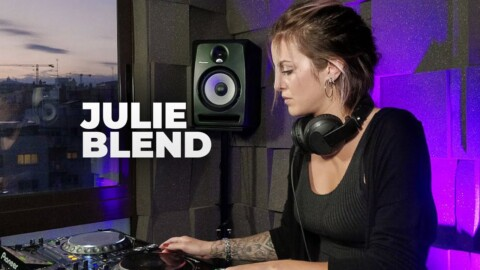 Julie Blend - Live @ Radio Intense Barcelona 27.05.2020 // Melodic Techno Mix